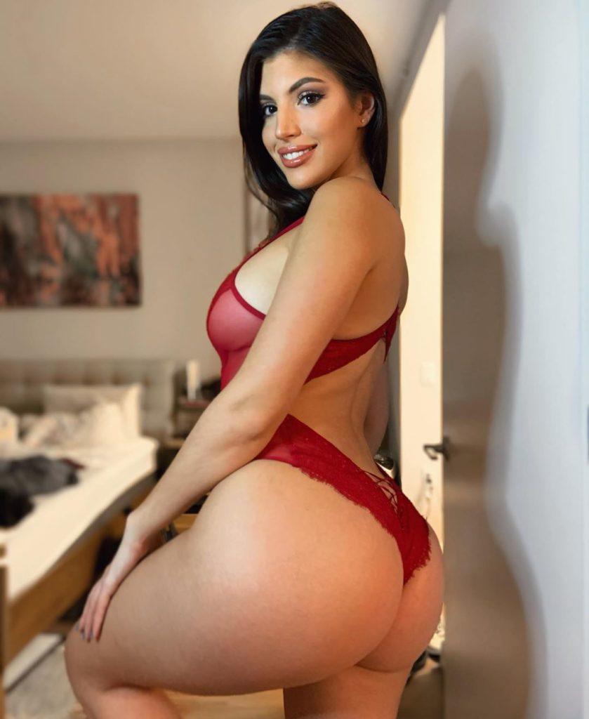 Rosana Hernandez fitness trainer